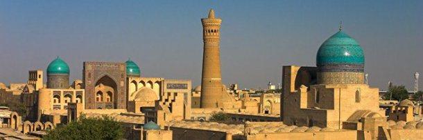 Ah ! Samarcande, Boukhara, Khiva et leurs minarets bleus, dans la lumière du soleil couchant. C'est là le plus beau des spectacle.