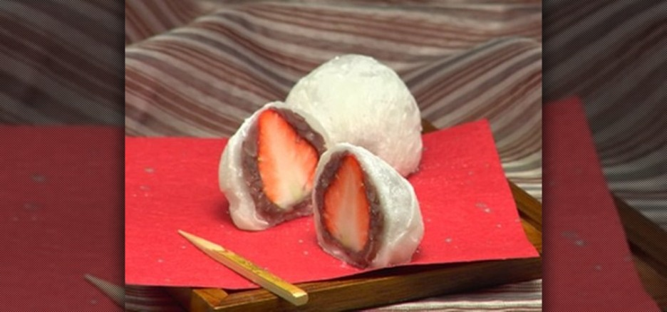 http://dessert-recipes.wonderhowto.com/how-to/make-japanese-ichigo-daifuku-strawberry-daifuku-272234/