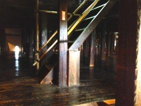 À l'intérieur du chateau - escalier raide !